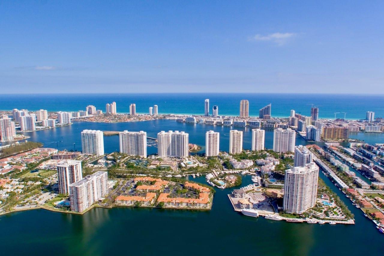 Williams Island - Multi-Phase Architecture Development in Aventura, Florida - Swedroe Architecture